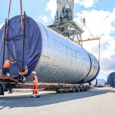 Vận chuyển bồn chứa công nghiệp quá khổ quá tải từ Phú Mỹ về Nhơn trạch